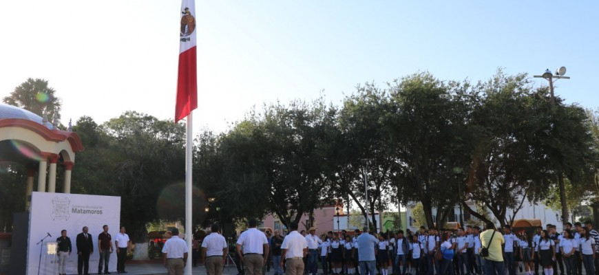 Aniversario del 2 de octubre en Tlatelolco es conmemorado por autoridades
